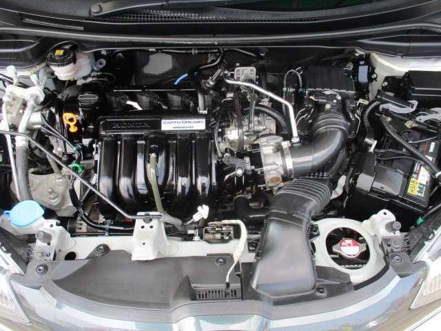 タイミングチェーン CVT「無段変速」エンジンの動力をコントロールできて燃費がよくなります♪ お越しの際は是非エンジンルームも見てください!ピカピカです!全車 安心の点検整備、無料保証付です。