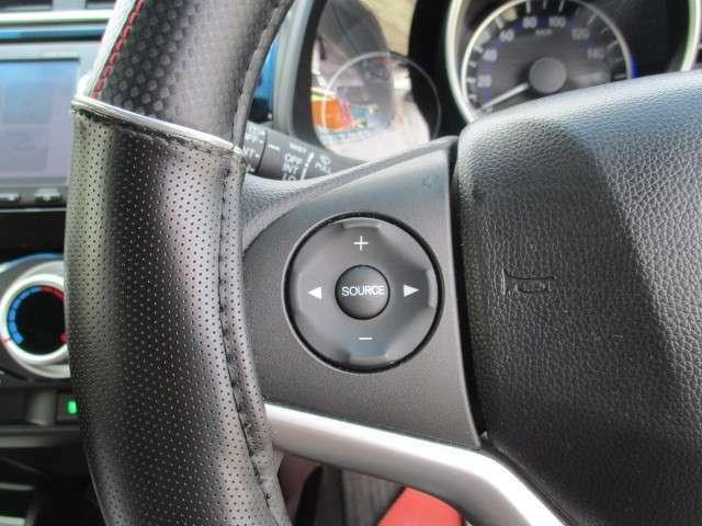 ステアスイッチが付いています。オーディオ曲スキップ、音量調節ができて便利です!全車保証付です。不明な点は092-410-9292 かしいかえんモータウン店までお気軽にお問い合わせください