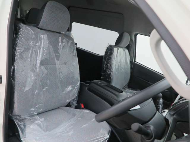 GL14人乗りディーゼルをベースに定員を14人から10人乗り乗用車ワゴンへ構造変更致します!