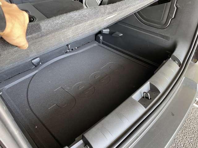 床下収納があるので、使用頻度の少ない荷物などを収納しておけます!