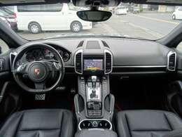 ◆ブラックレザーシート◆シートヒーター◆スタイリッシュな運転席周りです!◆