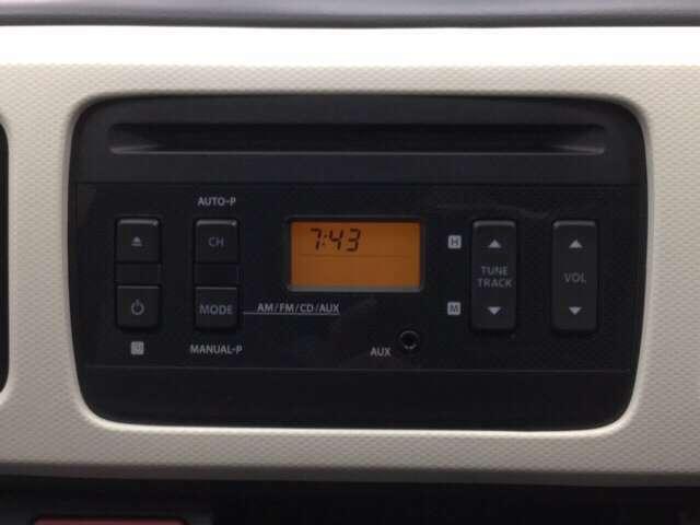純正CD AM/FMチューナーが付いています。