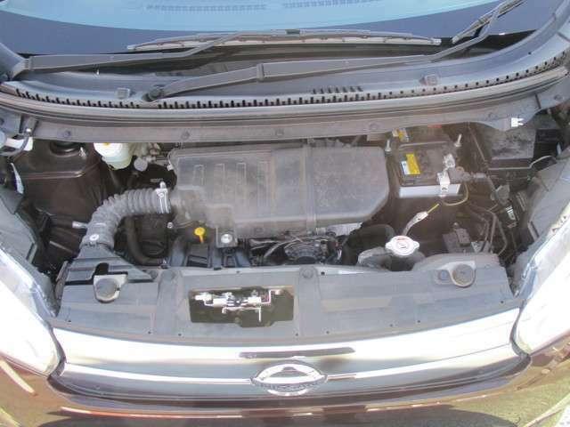 エンジンルームも綺麗にして保管、展示しております!ぜひ店頭でボンネットを開き、ご確認ください!合わせてお車のエンジンをかけて頂くことも可能です!