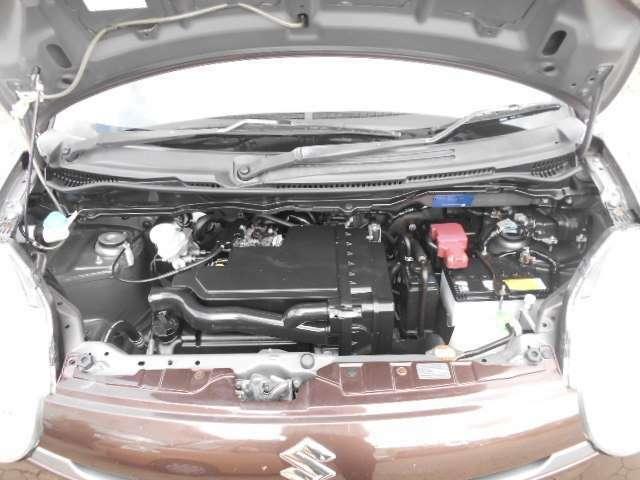 クリーニング済みで、キレイなエンジンルームです☆とても中古車とは思えませんね♪