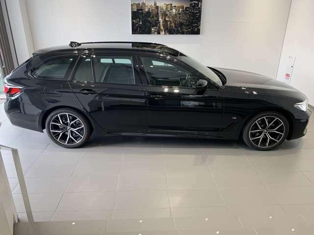 BMWでは重量配分にもこだわりがあり、FRモデルでは50:50とFFモデルでも60:40と前後の重量バランスにこだわり、軽快なハンドリングを実現しております。