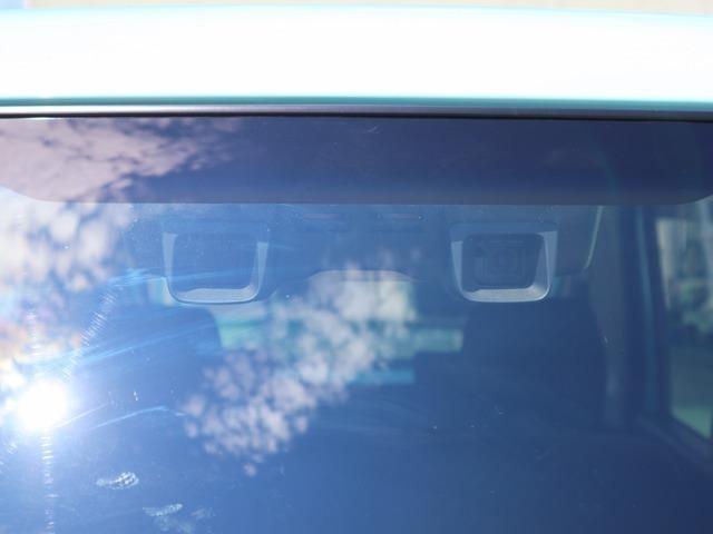 2つのカメラが歩行者やクルマを検知「デュアルカメラブレーキサポート」。