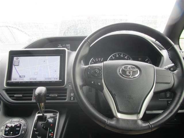 (インパネ)ドライバー目線の画像です。視界も確保されているので、見やすいですよ。