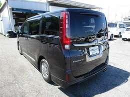 エスクァイアの左リヤビュー UV&プライバシーガラスで、車内の紫外線&プライバシーをシャットアウト