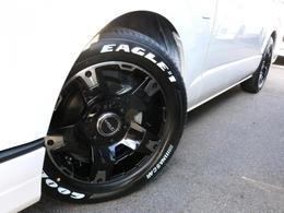ホイールにはDelf03 17インチAWを装着! タイヤはナスカーホワイトレタータイヤを合わせています。