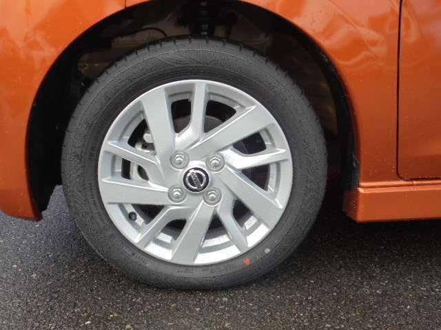 タイヤサイズ、155/65R14&アルミロードホイール。