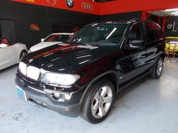 BMW X5 3.0i 4WD キセノン サンルーフ 黒革 地デジBカメラ