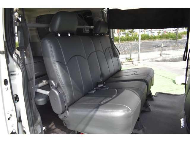 プレミアムGXは後席シートの座り心地も良く大人数でのお出かけも安心です!