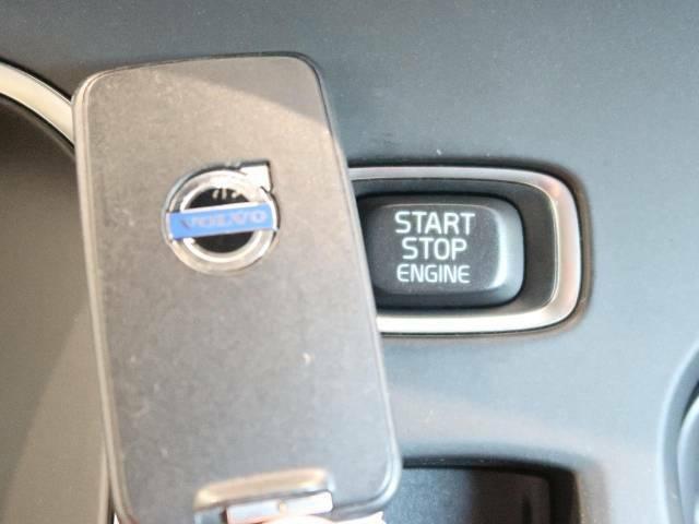 ◆PCC付キーレスドライブ『スマートエントリー機能を搭載。キーフリーでのロック・アンロックから、エンジンスタートまでをおこなっていただけます。乗り降り楽々!女性にも喜ばれるポイントの高い装備です。』