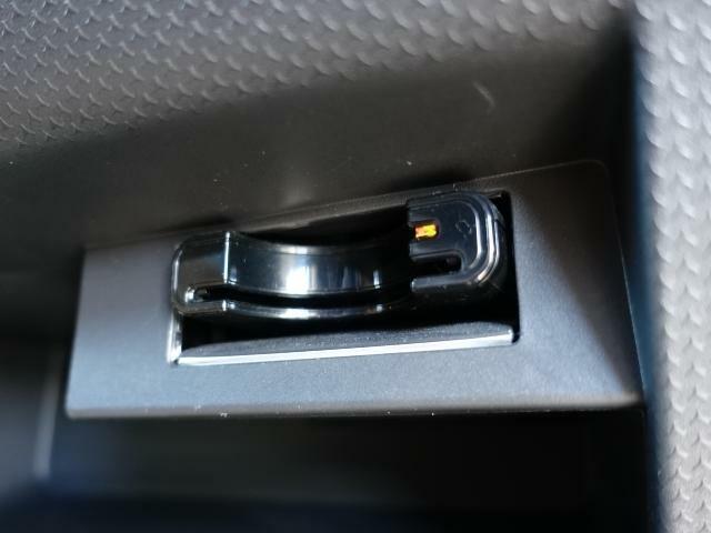 ETC車載器を装備しています。