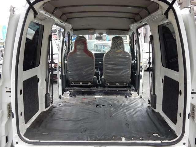 シートを倒せば荷室がグンと広くなりますので、大きな荷物も安心して載せられます♪TEL 0120-345-267