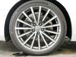 オプション マルチスポークデザイン コントラストグレー 19インチアルミホイール☆関東最大級のAudi・VW専門店!豊富な専門知識・経験で納車後もサポートさせていただきます☆
