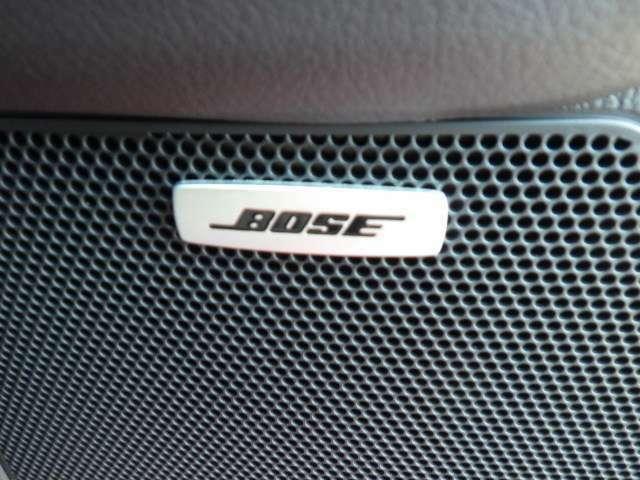 BOSEの10スピーカーシステムです。CX-8に合ったスピーカーレイアウトと決めこまやかなチューニングにより包まれるような心地よいサウンドが楽しめます。