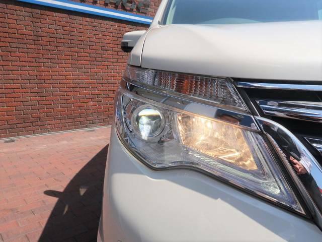 【LEDヘッドライト】LEDならではのデザイン性の高いライトデザインはスタイリッシュな外観にぴったりです☆明るさもばっちりなので夜間の走行も安心ですよ☆