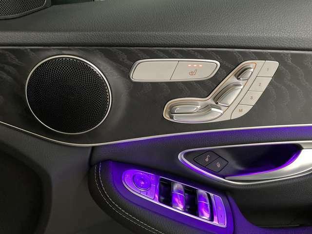 ・運転席、助手席ともメモリー付きパワーシート装備です。