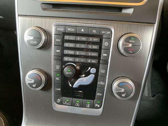★ボルボ V60 T5 ラグジュアリーエディション 2.0L 入庫です!●シティーセーフティ!●アダプティブクルーズコントロール!●レーンキーピングエイド!●BLIS!●リアヘッドレストモニター!