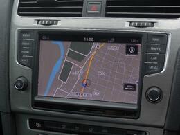 Volkswagen純正インフォテイメントシステムDiscover Pro搭載。ナビ、オーディオ&ビジュアル、ハンズフリーフォン、フルセグTVそして車両情報などを集約。8インチ大型ディスプレイですべて操作できます。