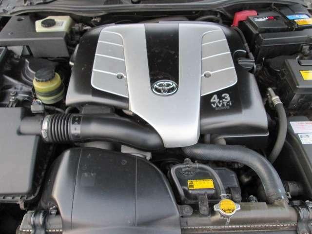 4.3LV型8気筒DOHCエンジン!280ps(206kW)/5600rpm(カタログ値)