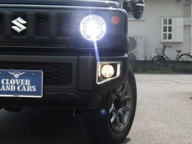 【LEDヘッドライト&フォグランプ!】とっても明るく照らしてくれますので、夜のドライブも安心して走行できますね☆