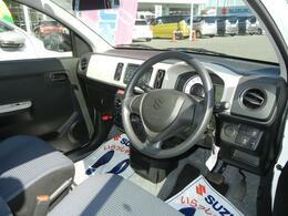 視界が広く見切りのいい運転席です
