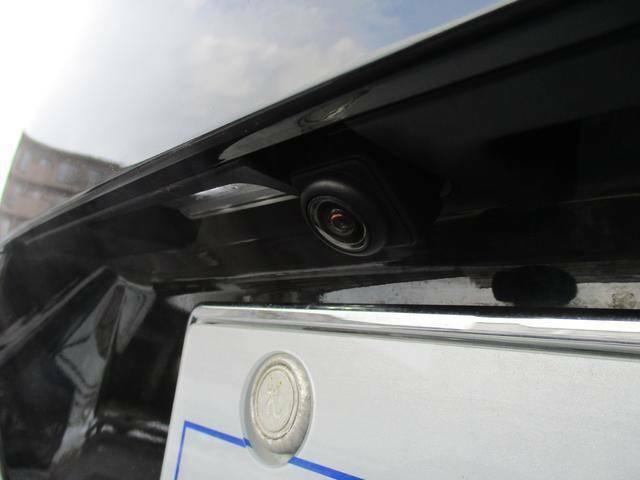 バックカメラ装備◆後方の安全確認はおまかせ!!これで苦手な車庫入れも安心です♪