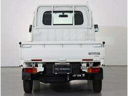 4WDで悪路にも強い軽トラック!