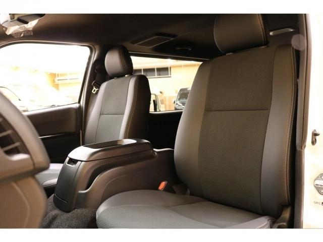 【助手席シート】広めの設計の快適なシートです♪