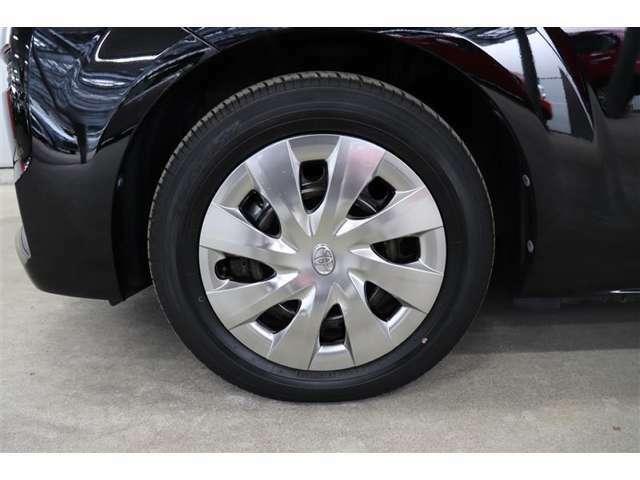こちらのお車は現状での販売とさせて頂いております。タイヤの状態や残り溝など実際にご確認ください。