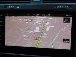 純正インフォテイメントシステムDiscover Proがさらに機能アップ。9.2インチ大型全面タッチスクリーン。ジェスチャーコントロール(掌でスワイプして操作)やVolkswagen Media Co