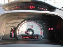 この走行距離!まだまだこれからです!!レッド照明のTYPE R専用メーターパネル!上下二分割配置のマルチプレックスメーター!