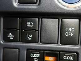"""トヨタ自慢の""""まごとクリーニング""""を施工済!ボディーはもちろん、タイヤ・ホイールまで、ピッカピカ☆♪比べてください、自信があります!)"""