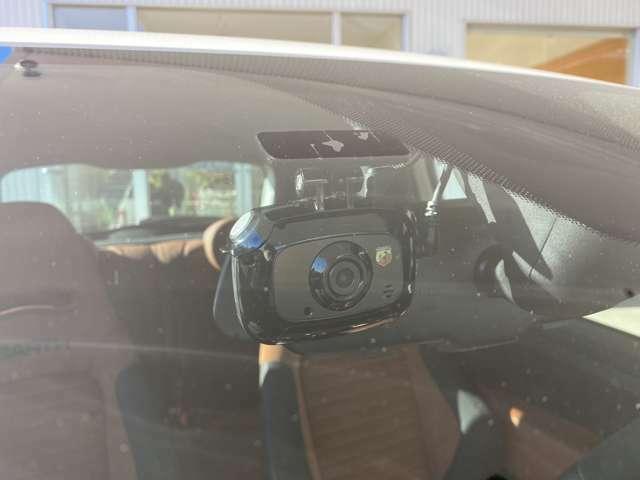 ドライブレコーダーが取り付けられております!