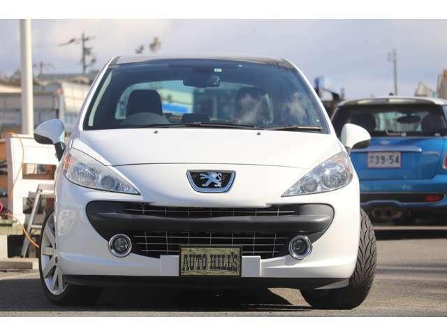 点検整備、車検2年受け渡し、保証付きのお買い得車です。