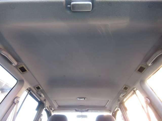 天井も非常にキレイです☆特に気になるようなダメージもありません♪