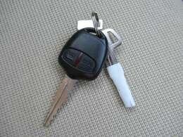 【キーレス】キーレス付き!重い荷物を持っているときでもボタン一つでピピピっとカギの開け閉めができます!お問い合わせはフリーダイヤル0120-50-1190まで!
