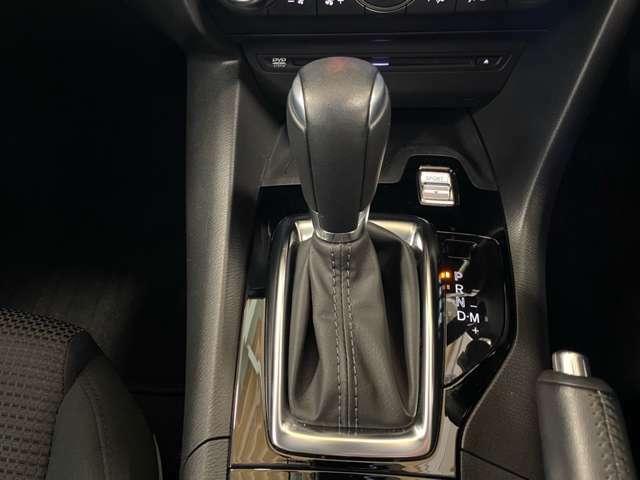 エンジンのパワーを無駄なく伝える、スカイアクティブドライブモードマニュアルモード付き6速オートマです★走りと高い燃費性能を両立しています。