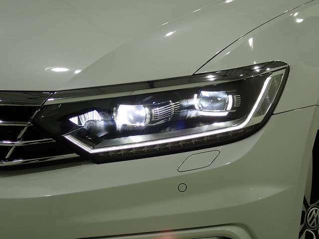 ◇純正LEDヘッドライト装備◇