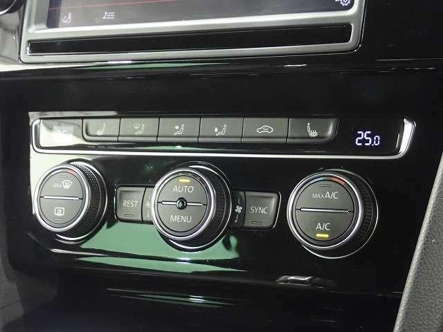 ◇3ゾーンフルオートエアコン装備、ワンタッチで車内を快適に!◇