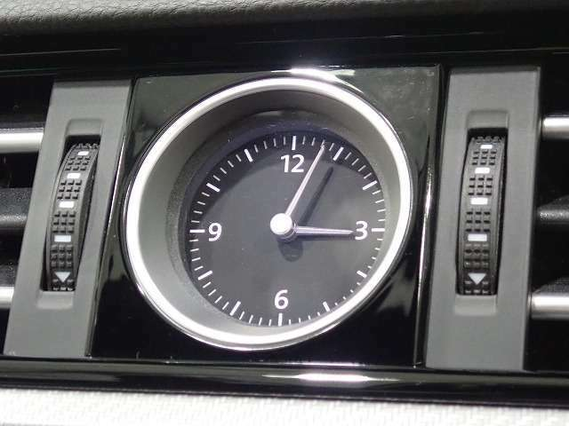 ◇Passat伝統のアナログ時計◇
