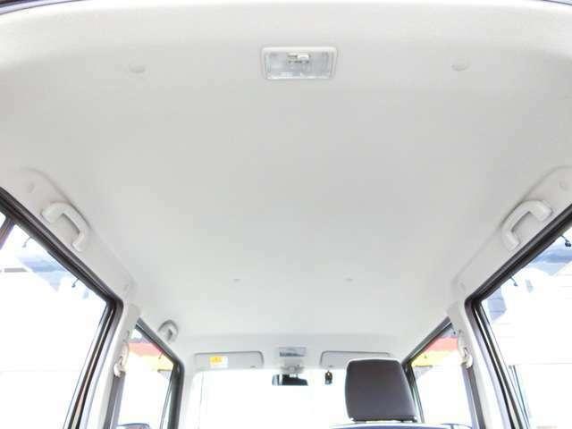 天井に目立った汚れはなく、室内にイヤな臭いもなく、快適にご使用いただけます!