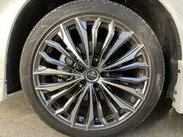 クレンツェ Felsen 358 EVO  245/40R20 ブリヂストン レグノ GRVII 非常に高額なタイヤホイールでございます。