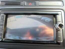 純正SDナビ付き♪ CD再生&DVD再生&フルセグTV付き♪ バックカメラ付きになりますので車庫入れも安心してできますね♪