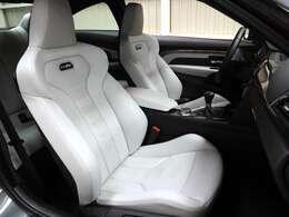 ◆Mスポーツシート ◆メモリー機能付電動シート/電動ランバーサポート(前席) ◆シートヒーター(前席)