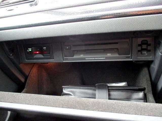 ETC・CD/DVD・SDカードスロット・USB・AUX