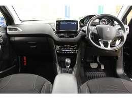 400台限定で販売された特別仕様車「208 テックパックエディション」のご紹介です。