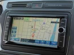 Volkswagen純正ナビゲーションシステム712SDCW。ワイド7型ディスプレイ、タッチパネル。フルセグTVチューナー、CD/DVDプレーヤー、SDHCメモリーカード再生、FM/AMラジオ。